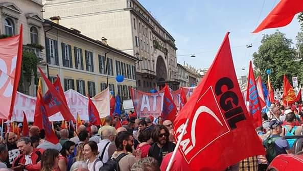 Zero sostegni, zero diritti, lavoratori agricoli in piazza