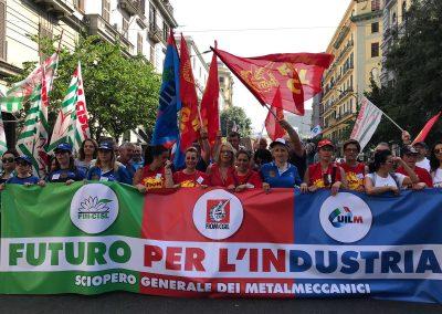 Blocco dei licenziamenti, la retromarcia del Governo innesca una serie di scioperi nelle fabbriche